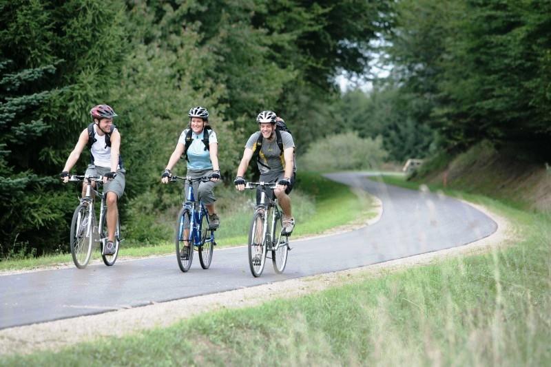 Radfahrer auf dem Ruwer-Hochwald-Radweg